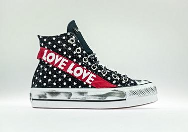 Black-pois red-love